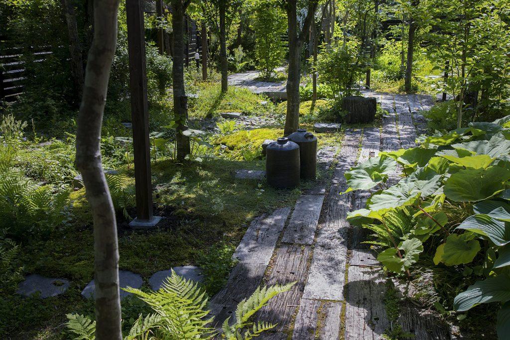 枕木の小道